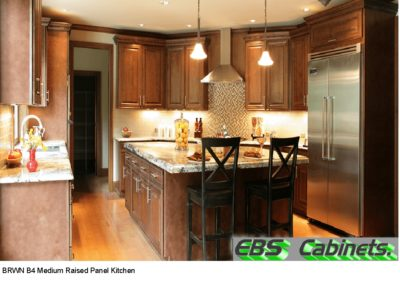 BRWN B4 Medium Raised Panel Kitchen